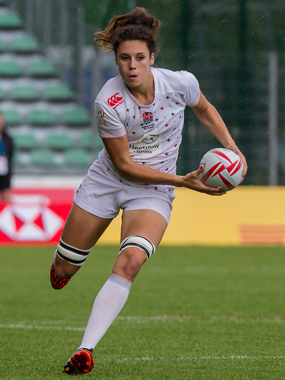 Abbie Brown in action agains Kenya, World Rugby Women's HSBC Sevens Series, Clermont Ferrand, Day 1, at Stade Gabriel Montpied, Clermont Ferrand, France, on 28th May 2016