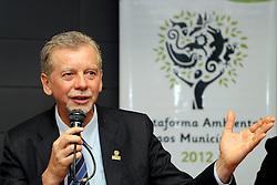 José Fortunati durante apresentação da Plataforma Ambiental 2012. FOTO: Jefferson Bernardes/Preview.com