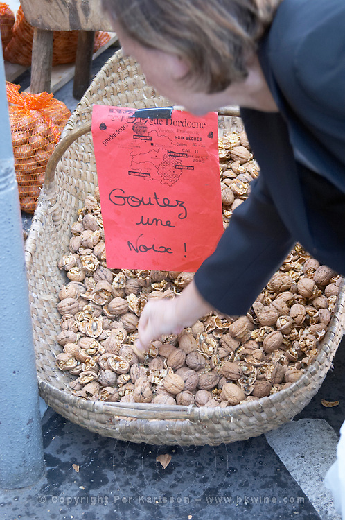 On a street market. Walnuts. Bordeaux city, Aquitaine, Gironde, France