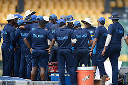 December 28, 2017 - Colombo, Western Province, Sri Lanka - Sri Lanka Newly appointed head coach talking to the team before first practices session (Credit Image: © Sameera Peiris/Pacific Press via ZUMA Wire)