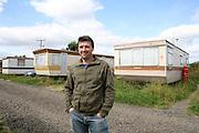 Radu pendant l'été 2007 en Ecosse où il travaillait comme saisonnier pour un cultivateur de fraises et de brocolis. <br /> <br /> Radu Esanu in the summer of 2007 in Scotland. He came to work for the season as a strawberry and broccoli picker.