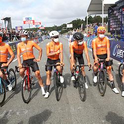 26-08-2020: Wielrennen: EK wielrennen: Plouay<br /> Team NL<br /> Oscar Riesebeek, Mathieu van der Poel, Koen de Kort, Sebastian Langeveld, Nick van der Lijke, Julius van den Berg, Pieter Weening, David van der Poel