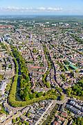 Nederland, Utrecht, Utrecht, 13-05-2019; overzicht van Utrecht gezien vanuit het Zuiden, bomen in voorjaarsgroen langs de singels, Catherijnesingel, Tolsteegsingel. In de voorgrond Ledig Erf, Oude Gracht richting Dom en Domtoren, onder de Geertekerk.<br /> Overview of Utrecht seen from the South, trees in green spring trees along the canals.<br /> <br /> luchtfoto (toeslag op standard tarieven);<br /> aerial photo (additional fee required);<br /> copyright foto/photo Siebe Swart