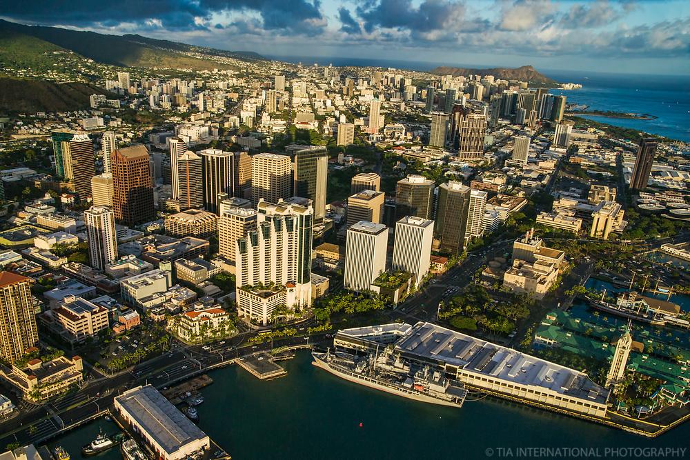 Ala Moana Boulevard, Downtown Honolulu