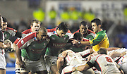 Reading, GREAT BRITAIN, The referee get between the front rows, to give his instructions,  during the third round Heineken Cup game, London Irish vs Ulster Rugby, at the Madejski Stadium, Reading ENGLAND, Sat 09.12.2006. [Photo Peter Spurrier/Intersport Images]