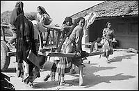 Nepal. Region du Teraï. Rana Tharu. // Nepal. Teraï area. Rana Tharu ethnic group.