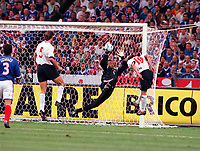 Nick Barmby (England) 10 has his header Brilliantly saved by French goalkeeper, Bernard Lama. Credit: Colorsport / Andrew Cowie.