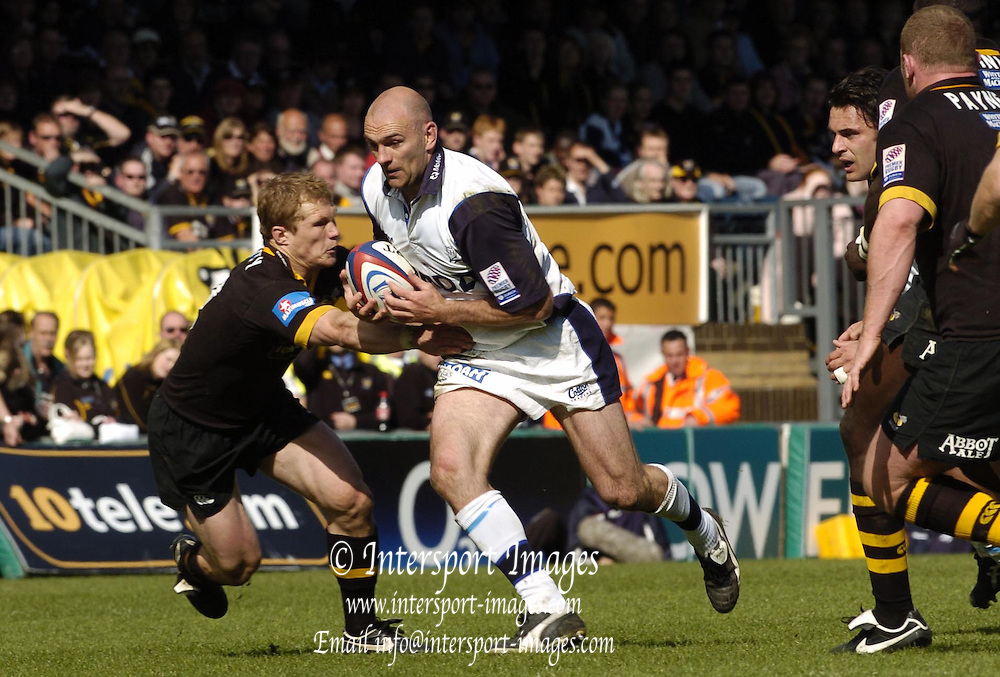 2005 Zurich Premiership Wild Card Play off London Wasps vs Sale Sharks, High Wycombe, ENGLAND: Jos Baxendalel, breaks through the mid field, Josh Lewsey moving in to tackle..Photo  Peter Spurrier. .email images@intersport-images...