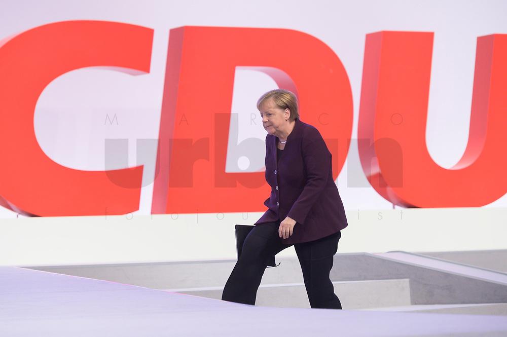 22 NOV 2019, LEIPZIG/GERMANY:<br /> Angela Merkel, CDU, Bundeskanzlerin, auf dem Weg zum Rednerpult, CDU Bundesparteitag, CCL Leipzig<br /> IMAGE: 20191122-01-057<br /> KEYWORDS: Parteitag, party congress