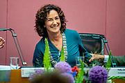 Femke Halsema is beedigd als burgemeester van Amsterdam. Ze legde tijdens een speciale raadsvergadering de belofte af aan commissaris van de Koning van Noord-Holland, Johan Remkes.