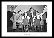 Sie finden alte Photografien von Stan Laurel und Oliver Hardy auf irishphotoarchive.ie Ueberraschen Sie jemand Besonderen mit aussergewoehnlicher irischer Fotografie. Erhaeltlich unter irishphotoarchive.ie Waehlen Sie ihre Lieblings Bilder aus dem alten irischen Leben aus dem Irish Photo Archive.