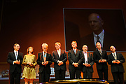 Uitreiking Heinekenprijzen 2008 in de Beurs van Berlage te Amsterdam waar Willem Alexander zes grote internationale prijzen uit op het gebied van wetenschap en kunst. De prijsuitreiking vindt plaats tijdens een bijzondere zitting van de Koninklijke Nederlandse Akademie van Wetenschappen (KNAW). De Prins houdt op deze bijeenkomst een toespraak waar de magie van de wetenschap centraal staat; het thema dat de KNAW ter gelegenheid van haar tweehonderjarig bestaan gekozen heeft. ///<br /> <br /> Heineken award celebration 2008 in the Beurs van Berlage in Amsterdam where Willem Alexander six large international prices in the field of science and art. This takes place during a particular meeting of the royal Dutch Akademie of sciences (KNAW). The prince keeps on this meeting a speech where the magic of science central state; the topic which the KNAW have chosen existence on the occasion of its twohunderd year celebration.<br /> <br /> <br />   <br /> <br />  On the Photo, the award winners with the prince : Barbara Visser , Sir Richard Peto , Jonathan Israel , Bert Brunekreef  , Stanislas Dehaene ,  Jack Szostak , Barbara Visser  en Willem Alexander