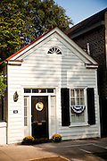 An small cottage home in historic Charleston, SC.