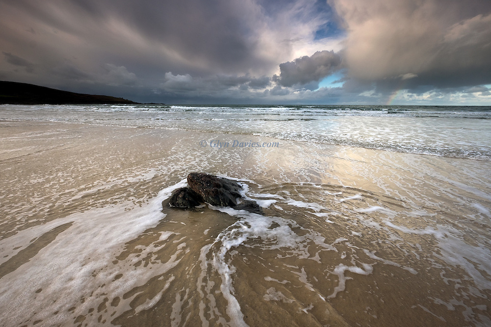 Even in the chaos of waves and clouds, wondrous patterns, textures and predictable repetitions can lead to exciting compositional balance within delicate scenes.