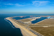 Nederland, Zuid-Holland, Rotterdam, 18-02-2015; Tweede Maasvlakte met de Prinses Alexiahaven (links), Prinses Amaliahaven en Prinses Arianehaven in  de achtergrond. Containerterminals van Rotterdam World Gateway (RWG) en APM Terminals Rotterdam-MV II (APMT).<br />