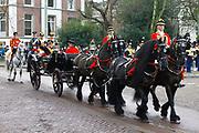 In Den Haag, op Plein 1813 vindt een vaandelgroet plaats van de Koninklijke Landmacht aan Koning Willem-Alexander. De vaandelgroet is tevens de aftrap van het 200-jarig jubileum van de Koninklijke Landmacht. <br /> <br /> In The Hague, on Plein 1813 a banner greeting takes place from the Royal Army of King Willem-Alexander. The standard greeting is also the kickoff of the 200th anniversary of the Royal Army.<br /> <br /> Op de foto / On the Photo:  Aankomst Koning Willem-Alexander in de koets / Arrival Koning Willem-Alexander in the carriage