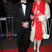 NLD/Utrecht/20081003 - Inloop uitreiking Gouden Kalveren Gala 2008, Barry Atsma en Christine van Stralen
