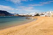 Playa La Laja sandy beach, Caleta de Sebo village, La Isla Graciosa, Lanzarote, Canary Islands, Spain