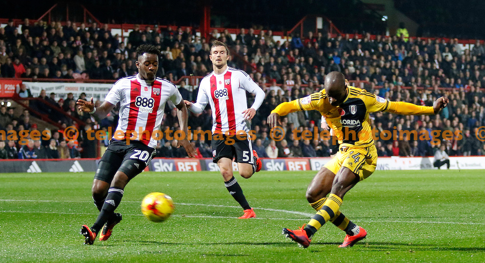 Fulham's Sone Aluko shoots on goal during the Sky Bet Championship match between Brentford and Fulham at Griffin Park in London. November 4, 2016.<br /> Carlton Myrie / Telephoto Images<br /> +44 7967 642437