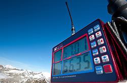 22.09.2010, Mölltaler Gletscher, Flattach, AUT, OeSV Training Moelltaler Gletscher, im Bild Feature Zeitnehmung, Timing. EXPA Pictures © 2010, PhotoCredit: EXPA/ J. Groder