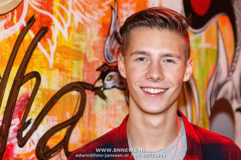 NLD/Amsterdam/20151203 - Lancering Limbi App, dj Erik Arbores