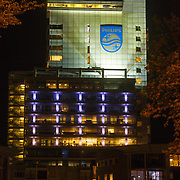 NLD/Amsterdam/20150513 - Het verlichte hoofdkantoor van elictronica gigant Philips in Amsterdam