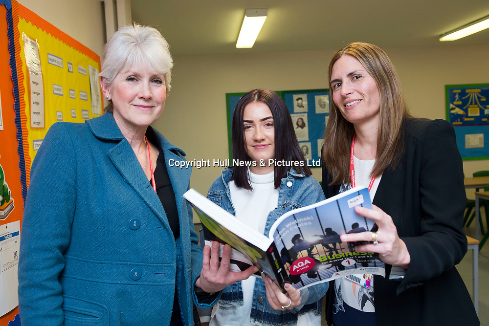 """21 February 2018: Louth Academy Sixth Form Open Evening.<br /> Claire Naylor who currently attends Giles Academy in Boston.<br /> Clare: """"It's quite modern to other places I have seen. The staff are very friendly."""" <br /> Pictured with (l-r) mum Heidi Naylor and Sarah Bierley (correct) Business Studies Teacher. <br /> Picture: Sean Spencer/Hull News & Pictures Ltd<br /> 01482 210267/07976 433960<br /> www.hullnews.co.uk         sean@hullnews.co.uk"""