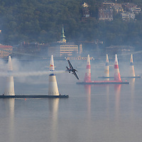 0708193845a Red Bull Air Race international air show qualifying runs over the river Danube, Budapest preceding the anniversary of Hungarian state foundation. Hungary. Sunday, 19. August 2007. ATTILA VOLGYI
