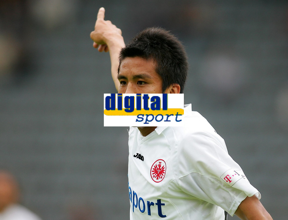 Fotball<br /> 20.07.2007<br /> Tyskland<br /> Foto: Witters/Digitalsport<br /> NORWAY ONLY<br /> <br /> Junichi Inamoto Frankfurt<br /> Testspiel Wuppertaler SV - Eintracht Frankfurt