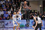 DESCRIZIONE : Campionato 2014/15 Dinamo Banco di Sardegna Sassari - Dolomiti Energia Aquila Trento Playoff Quarti di Finale Gara4<br /> GIOCATORE : Tony Mitchell <br /> CATEGORIA : Tiro Tre Punti Three Points Controcampo<br /> SQUADRA : Dolomiti Energia Aquila Trento<br /> EVENTO : LegaBasket Serie A Beko 2014/2015 Playoff Quarti di Finale Gara4<br /> GARA : Dinamo Banco di Sardegna Sassari - Dolomiti Energia Aquila Trento Gara4<br /> DATA : 24/05/2015<br /> SPORT : Pallacanestro <br /> AUTORE : Agenzia Ciamillo-Castoria/L.Canu