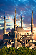Sunset over the Sultan Ahmed Mosque (Sultanahmet Camii) or Blue Mosque, Istanbul, Turkey. Built from 1609 to 1616 during the rule of Ahmed I. .<br /> <br /> If you prefer to buy from our ALAMY PHOTO LIBRARY  Collection visit : https://www.alamy.com/portfolio/paul-williams-funkystock/istanbul.html<br /> <br /> Visit our TURKEY PHOTO COLLECTIONS for more photos to download or buy as wall art prints https://funkystock.photoshelter.com/gallery-collection/3f-Pictures-of-Turkey-Turkey-Photos-Images-Fotos/C0000U.hJWkZxAbg