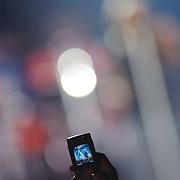 NLD/Amsterdam/20050916 - Concert Jon Bon Jovi, publiek filmt het concert met een mobiele telefoon