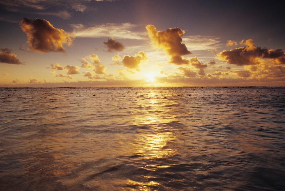 Cook Islands, K?ki '?irani, South Pacific Ocean, Rangiroa, Mauia Sunset