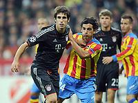 Fotball<br /> Tyskland<br /> 19.09.2012<br /> Foto: Witters/Digitalsport<br /> NORWAY ONLY<br /> <br /> v.l. Javi Martinez (Bayern), Tino Costa<br /> <br /> Fussball Champions League, Gruppenphase, FC Bayern München - FC Valencia