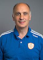 ARNHEM -Fysiotherapeut Johannes Veen. Nederlands Hockeyteam dames voor Wereldkamioenschappen hockey 2014. FOTO KOEN SUYK