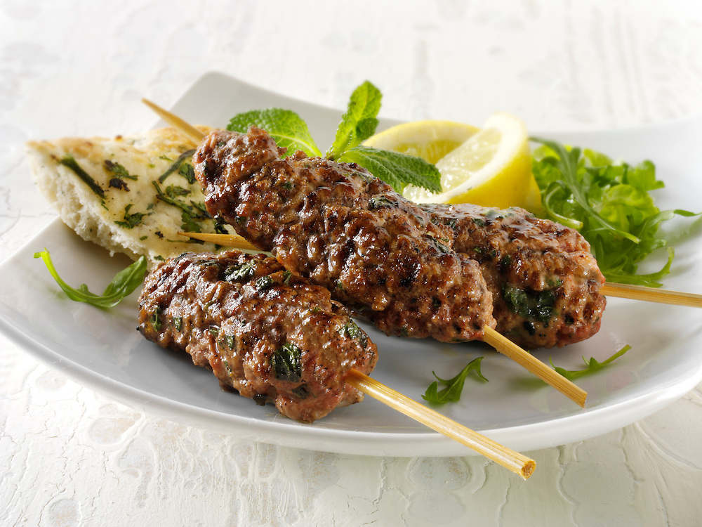 Kofte Kebab with salad & lemnon wedges