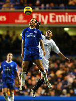 Fotball<br /> England 2004/2005<br /> Foto: SBI/Digitalsport<br /> NORWAY ONLY<br /> <br /> Chelsea v Bolton Wanderers<br /> Barclays Premiership. 20/11/2004<br /> <br /> Arjen Robben of Chelsea and Stelios go up for an aerial ball