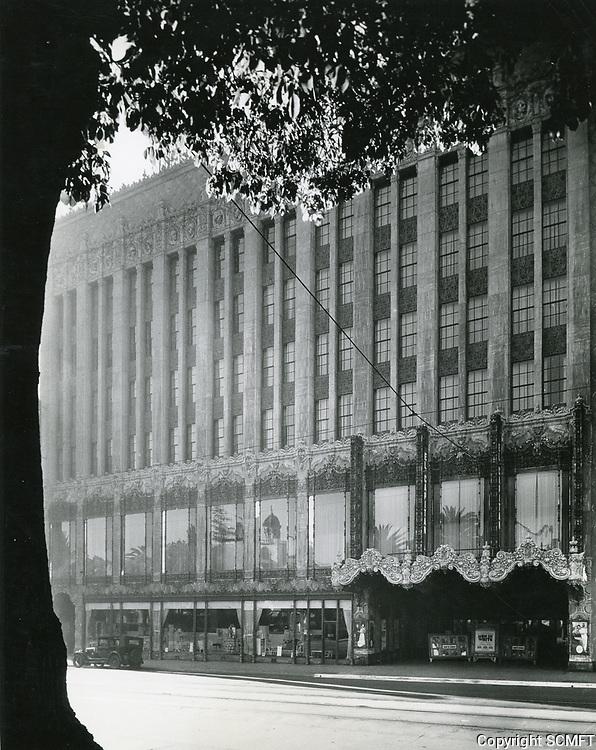 1927 El Capitan Theater