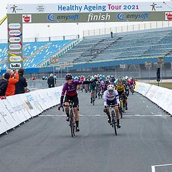 10-03-2021: Wielrennen: Healthy Ageing Tour: Assen. <br />De eerste etappe van de Healthy Ageing Tour is gewonnen door Jolien D'hoore. Na 126 kilometer over het TT-circuit in Assen bleek zij in de massasprint te snel voor Alice Barnes (tweede) en Karlijn Swinkels (derde).