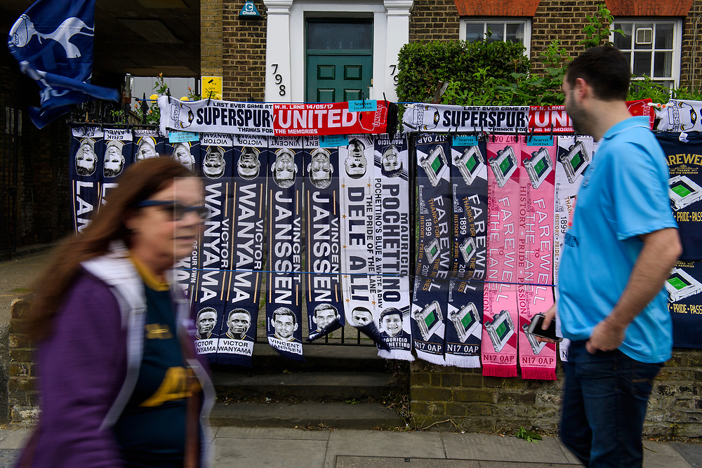 © Licensed to London News Pictures. 14/05/2017. London, UK. farewell scarves being sold outside White Heart Lane, in North London where Tottenham Hotspur F.C. are playing their final game at the ground, against Manchester united today (Sun). Known as 'The Lane', Tottenham have been playing at the ground for 118 years, but will be playing at Wembley next season while a new 60,000 seat stadium is built for the start of the 2018/19 season.  Photo credit: Ben Cawthra/LNP