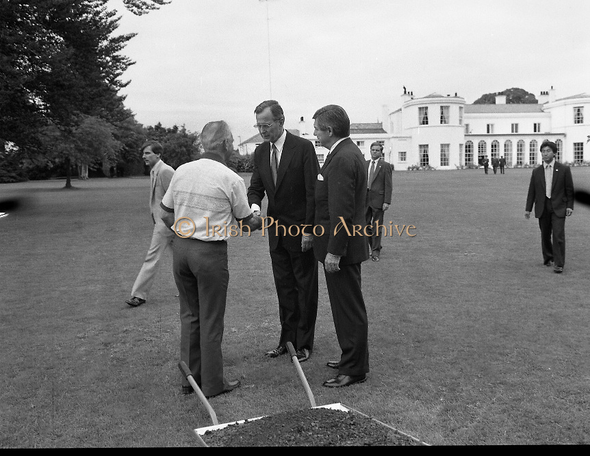 1983-07-05.5th July 1983.05-07-1983.07-05-83..Photographed at US Embassy Residence, Dublin..Handshake:..George Bush, US Vice President at the US Embassy Residence,
