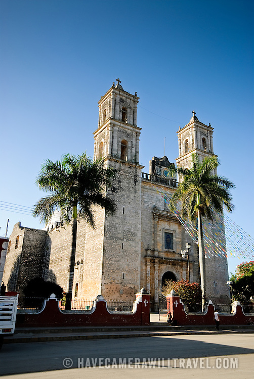 The central Cathedral of Nuestra Señora de la Asunción in Valladolid, Yucatan, Mexico.
