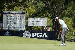 August 10, 2018 - St. Louis, Missouri, United States - Kevin Kisner putts the 9th green during the second round of the 100th PGA Championship at Bellerive Country Club. (Credit Image: © Debby Wong via ZUMA Wire)
