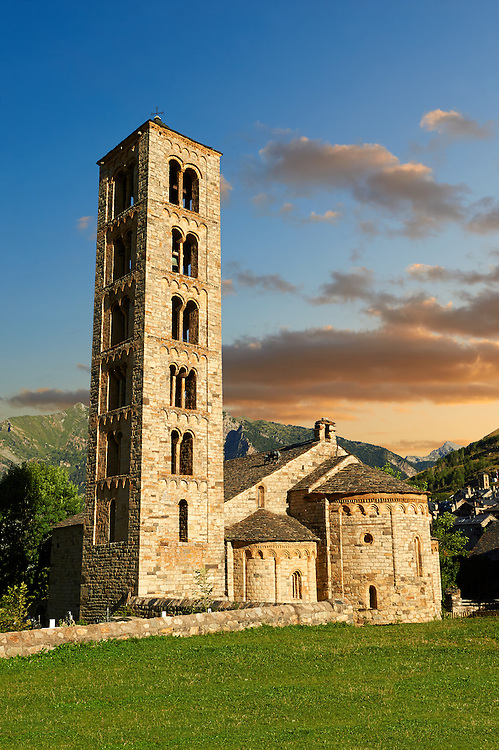 The twelth century Catalan Romanesque Church of Saint Climent in Taull, Vall de Boi, Spain. A UNESCO World Hertigae site and one of the best exapmles of Romanesque in Europe. .<br /> <br /> Visit our SPAIN HISTORIC PLACES PHOTO COLLECTIONS for more photos to download or buy as wall art prints https://funkystock.photoshelter.com/gallery-collection/Pictures-Images-of-Spain-Spanish-Historical-Archaeology-Sites-Museum-Antiquities/C0000EUVhLC3Nbgw <br /> .<br /> Visit our MEDIEVAL PHOTO COLLECTIONS for more   photos  to download or buy as prints https://funkystock.photoshelter.com/gallery-collection/Medieval-Middle-Ages-Historic-Places-Arcaeological-Sites-Pictures-Images-of/C0000B5ZA54_WD0s