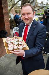 Pictured: Ian Murray with cakes baxcking the Labour campaign<br /> <br /> Scottish Labour's Ian Murray and Scottish Labour leader Kezia Dugdale hit the general election campaign trail in Edinburgh today for the first campaign event of Mr Murray's re-election campaign for the Edinburgh South constituency.<br /> Ger Harley   EEm 21 April 2017