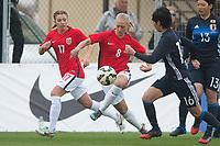 Fotball<br /> 03.03.2017<br /> WU 23 National 5 Nations Tournament<br /> La Manga , Spania<br /> Norge - Japan<br /> Maria Hiim (L) og Amalie Eikeland (3R) , Norge<br /> Mizuki Nakamura (2R) og Arisa Matsubara (R) , Japan<br /> Foto: Astrid M. Nordhaug