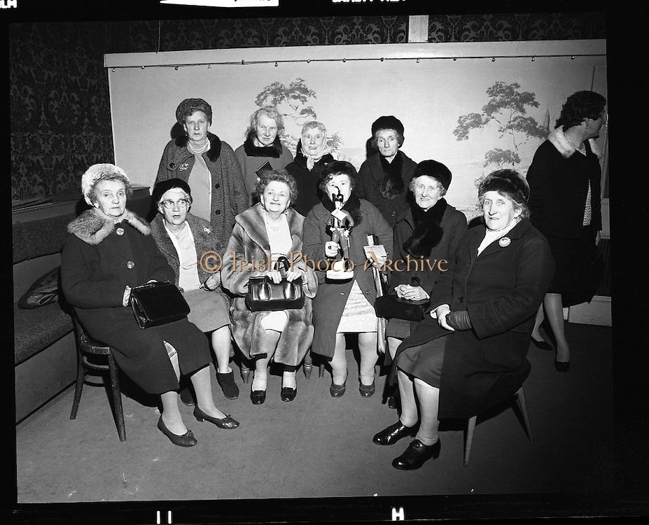 Jack Benny meets Old Folk at The Gaiety.05/03/1970