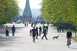 ©Licensed to London News Pictures 04/04/2020  <br /> Greenwich, UK. People get out of the house from Coronavirus lockdown to exercise and enjoy the mini heatwave weather in Greenwich park,Greenwich, London. Photo credit:Grant Falvey/LNP