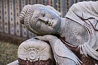 Japon, île de Shikoku, prefecture de Ehime, Uchiko, statue de Bouddha couché dans un temple bouddhiste // Japan, Shikoku island, Ehime region, Uchiko, sleeping Buddha statue, buddhist temple