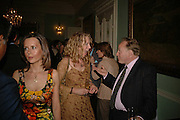 Susan Gilchrist, Danuta Keen and Andrew Roberts. Book launch of 'A Much Married Man' by Nicholas Coleridge. English Speaking Union. London. 4 May 2006. ONE TIME USE ONLY - DO NOT ARCHIVE  © Copyright Photograph by Dafydd Jones 66 Stockwell Park Rd. London SW9 0DA Tel 020 7733 0108 www.dafjones.com